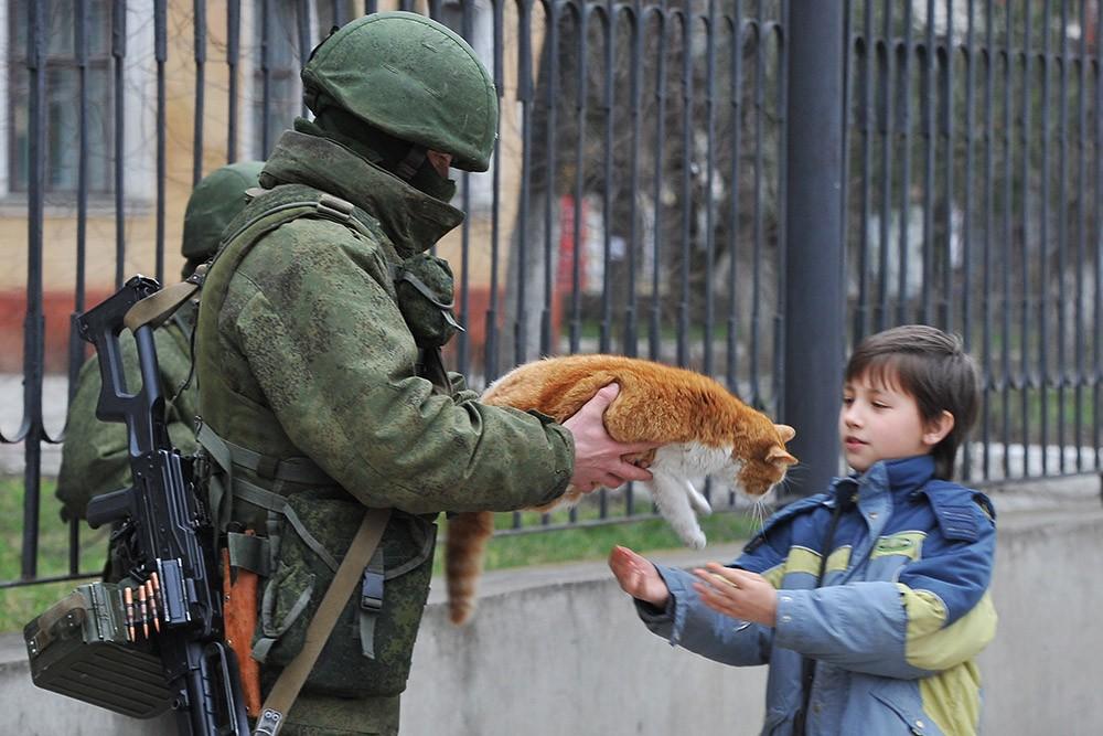"""Работники """"военторга"""" или воюет ли российский спецназ на Украине"""