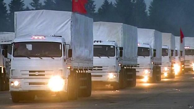 А гуманитарный конвой все едет и едет