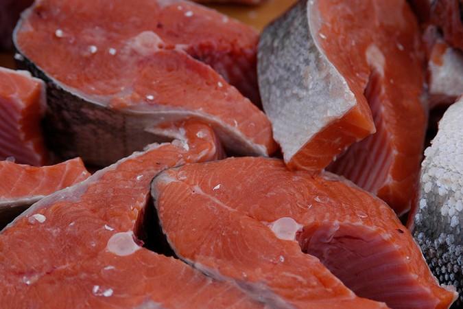 В Россию продолжают поставлять норвежский лосось через Белоруссию