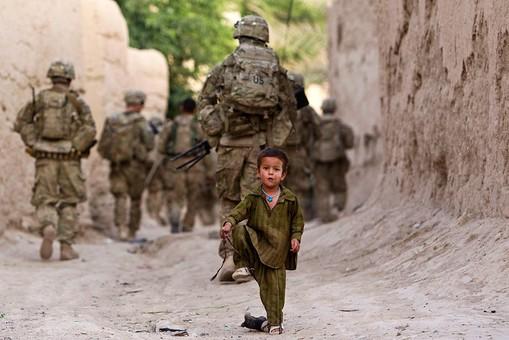 """Янки уходят из Афганистана, но двенадцать тысяч остаются с """"небоевой миссией"""""""