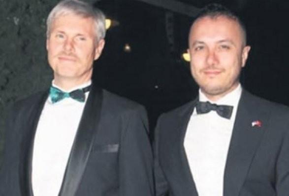 Американские консул в Стамбуле женится на турецком певце