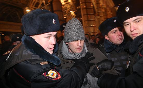 Алексей Навальный опять нарушил закон и был задержан