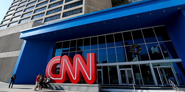 CNN прекращает вещание в России
