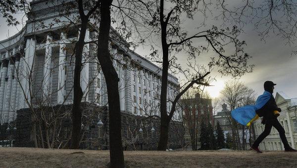 Русский город Киев никогда ещё не видел такого скопления чокнутых пришельцев