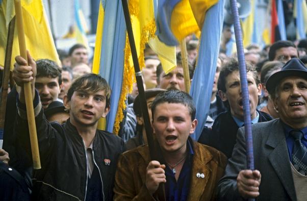 Активисты Майдана бегут с Украины