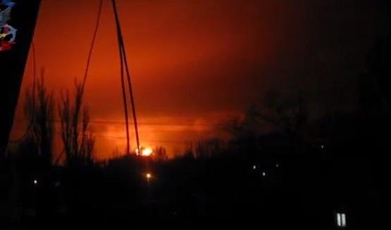 Киев от отчаяния решил сровнять Донецк с землей?