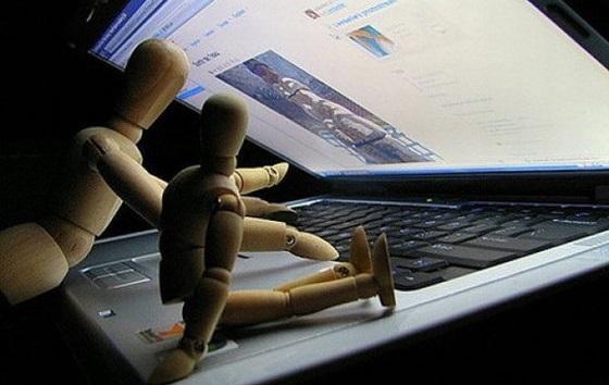 Запад негодует: Россияне не ведутся на интернет-революции
