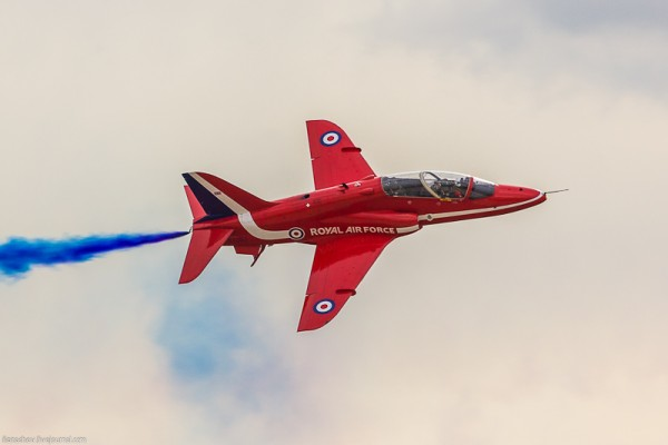 """Учебно-боевой самолет Hawker Siddeley Hawk (""""Хок""""), Пилотажная группа Red Arrows (Красные стрелы) Королевских ВВС Великобритании"""