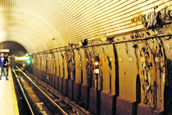 Image-13993662-Peeling-paint-on-the-walls-of-the-F-train-subway