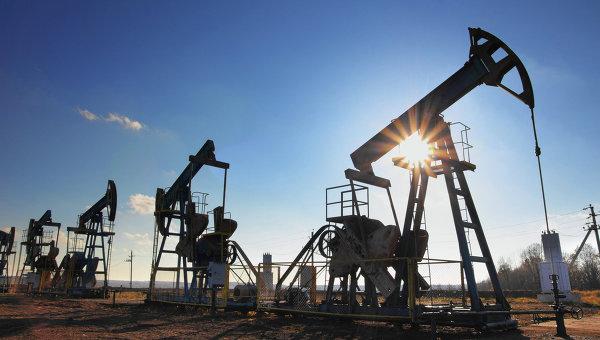 Нефть дешевеет восьмую неделю подряд