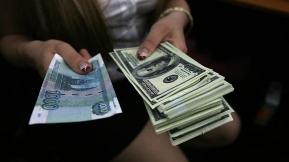 Доллар готов упасть ниже 40 рублей, но этому могут помешать