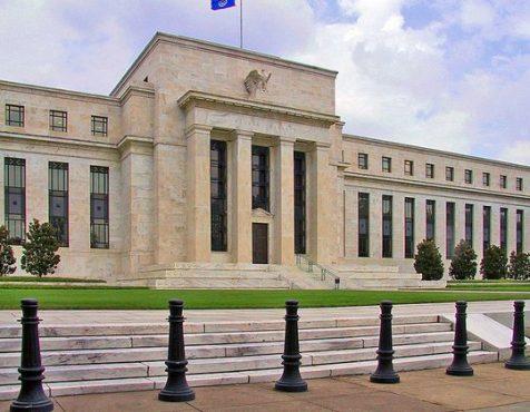 Американский ЦБ готовит удар по российскому рынку акций и рублю
