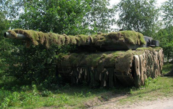 Камуфляж танков: мех, трава и бетонные плиты