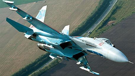 Российский Су-27 пролетел в семи метрах от самолета ВВС США