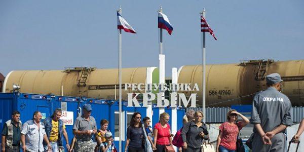 На работу в Крым: полуостров заполонили украинцы и узбеки