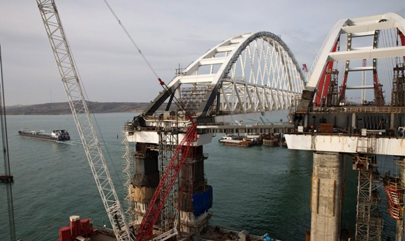 УкроСМИ: Крымский мост быстро рухнет. Есть несколько причин