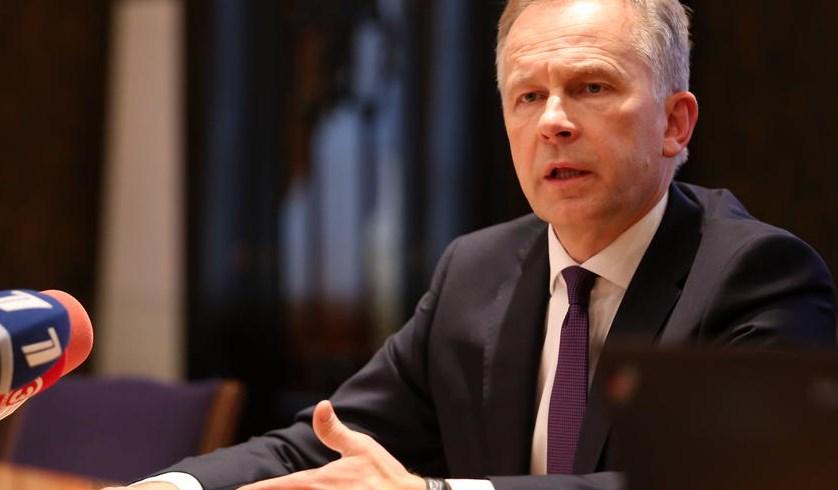 Как коррупция превращает Латвию в страну-изгоя