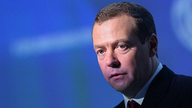 """""""Если не он, то кто?"""": в Госдуме оценили шансы Медведева сохранить пост премьера"""