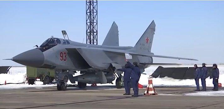 МиГ-31 с ракетами «Кинжал» на боевом дежурстве.