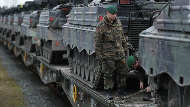 Это для России? США наращивают воинский контингент в Европе