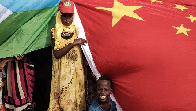 """""""Мы воюем с Китаем"""": американцев выгоняют из Африки"""