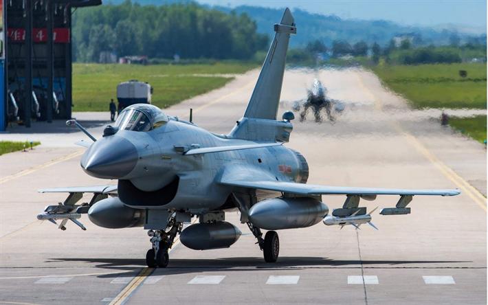 Как Китай ворует военные самолеты у России и США