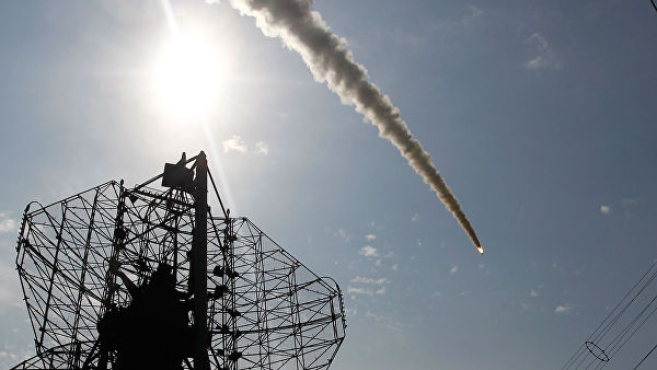 """США обвиняют Россию в создании ракеты - """"убийцы спутников"""""""