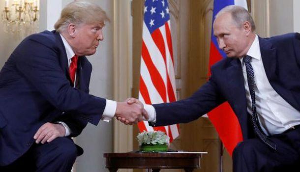 Дональд Трамп верит Владимиру Путину больше, чем разведке США