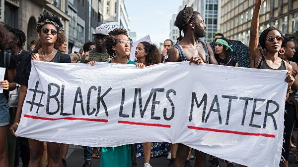 Теперь запрещено белым. В США развивается расизм наоборот