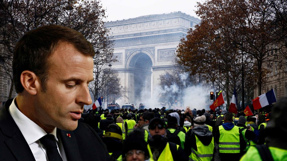 """Успокоить """"желтые жилеты"""": Макрон готовит тайный референдум"""