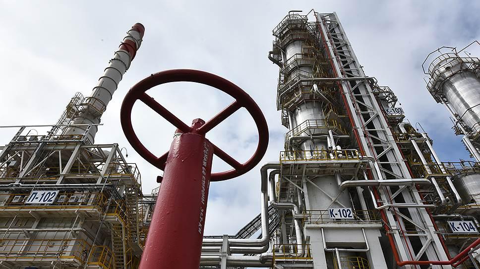 Размытая формулировка в новых санкциях США ударит по Газпрому и Новатэку