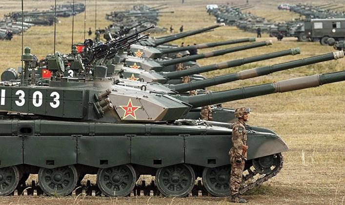 С кем Китай собирается воевать? Траты на армию идут в ущерб экономике