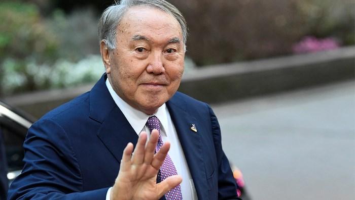 Загадка отставки Назарбаева: Лидер Казахстана ушел из президентов, но остался у власти