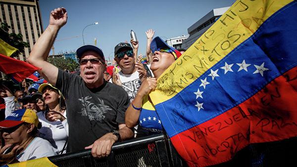 Вероятность вторжения в Венесуэлу растет, и в нем обвинят Россию
