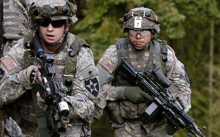 США могут разориться на военных расходах: алкоголь, шейки лангуста и крабы