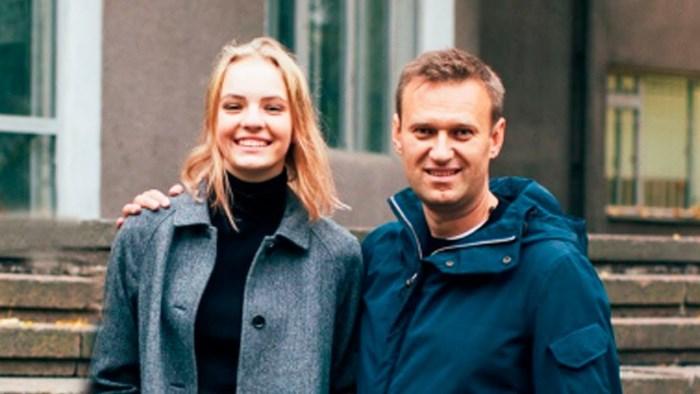 Рашка, гудбай: Дочь Навального раскрыла доходы семьи и уехала в Калифорнию