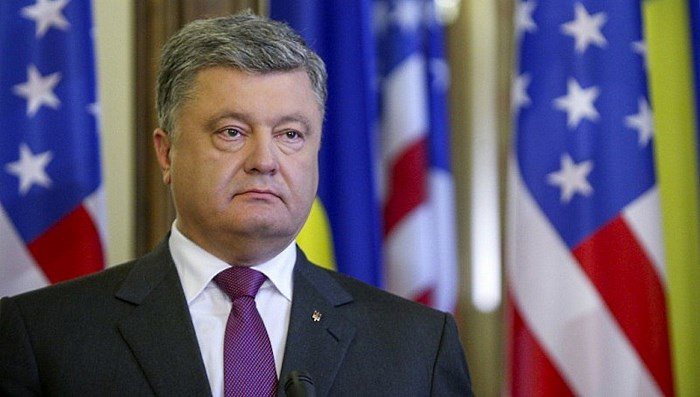 Порошенко пожаловался на Зеленского в США