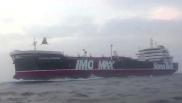 Sunday Mirror: Британская разведка MI-6 заподозрила Россию в причастности к захвату танкера