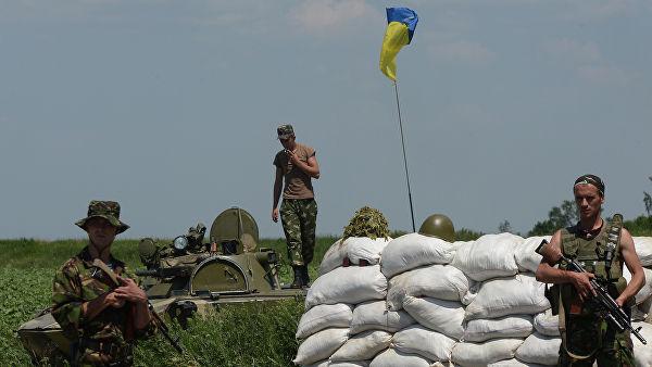 Бойцы ВСУ по ошибке уничтожили позиции своих войск в Донбассе, заявили в ДНР