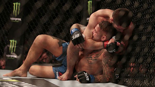 Хабиб Нурмагомедов защитил титул чемпиона UFC в бою с Дастином Пуарье