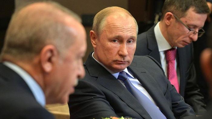 Российский рубль в ожидании реакции США на сделку Путина и Эрдогана