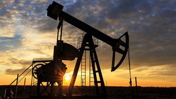 Фьючерсы на нефть рухнули на 30%