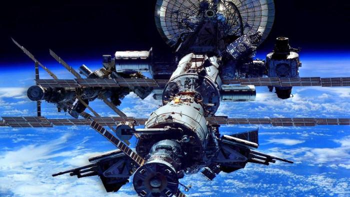 Международная Космическая Станция (МКС) — пилотируемая орбитальная станция, используемая как многоцелевой космический исследовательский комплекс