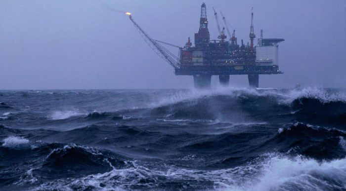 Добыча нефти и газа в Мексиканском заливе остановлена