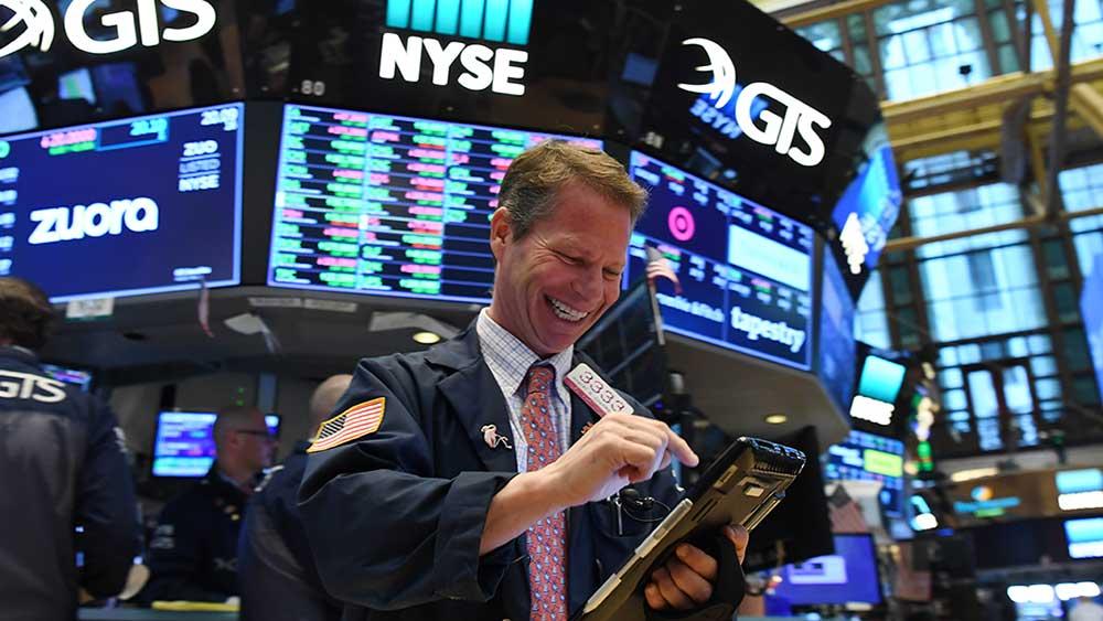 """Dow Jones и S&P 500 в """"ожидании"""" коррекции"""