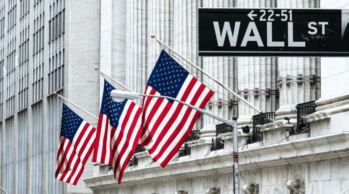 Dow Jones смущен винегретом событий