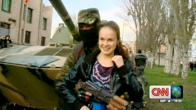 Жители Славянска предпочитают киевским властям людей в масках