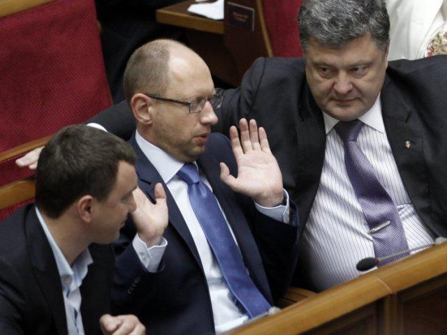 Денежная связь Яценюка с Порошенко