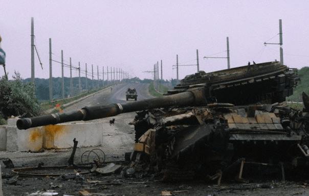 Украинские военкоматы начинают радовать повестками на право удобрить земли Донбасса
