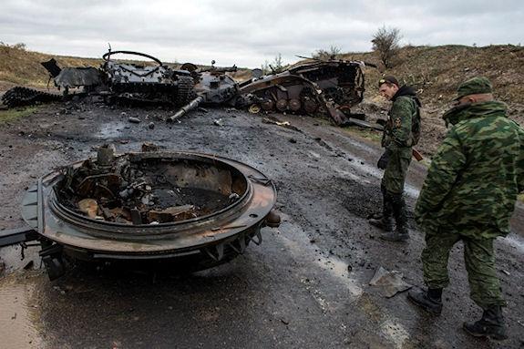 Горловка отбила танковую атаку, под Луганском 70 силовиков в окружении